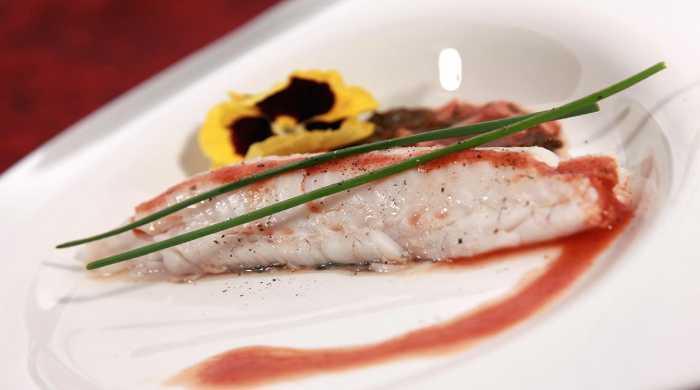 Рыба запечённая в духовке целиком