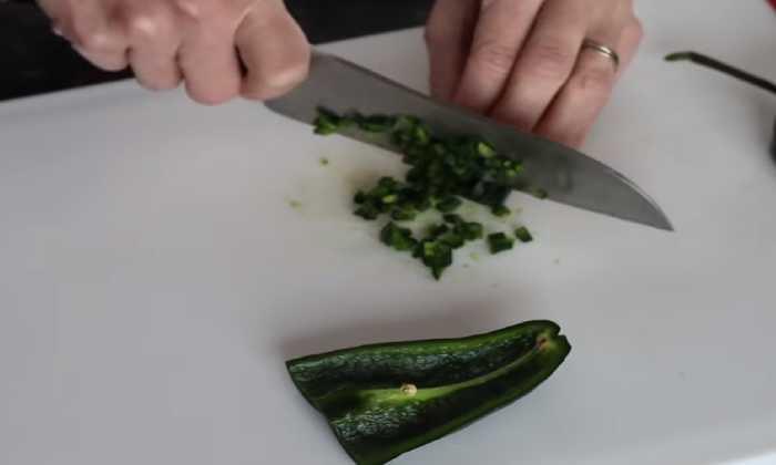 режем острый перец