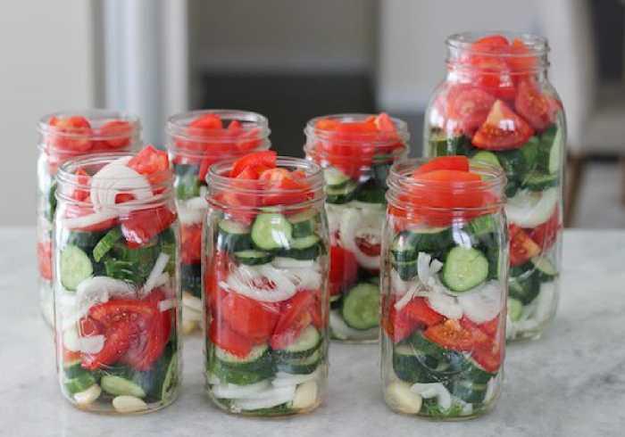 10 банок салата