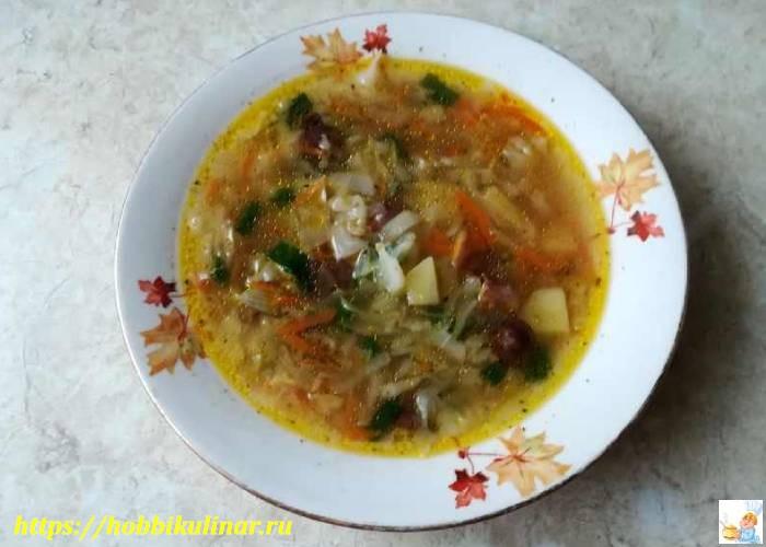 грибной суп в тарелке