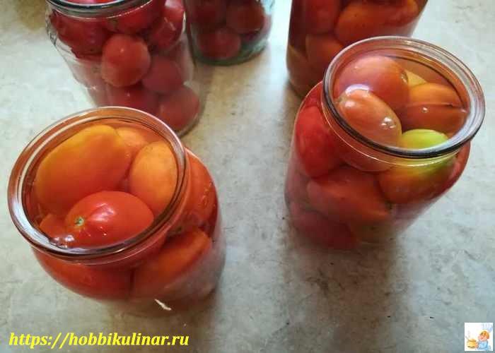 банки с помидорами