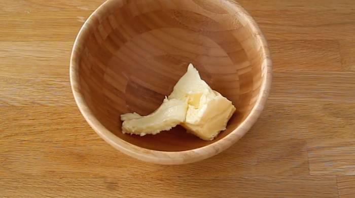 масло в миске