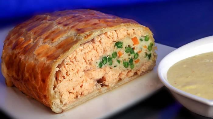 пирог лосось в слоёном тесте