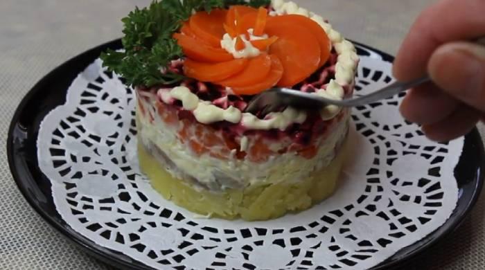 украшаем салат