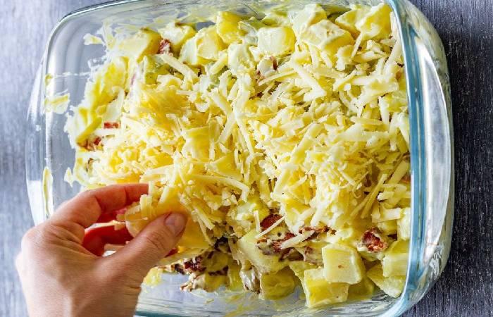 Картофельная запеканка с куриным филе под сметанным соусом, рецепт с фото — Вкусо.ру