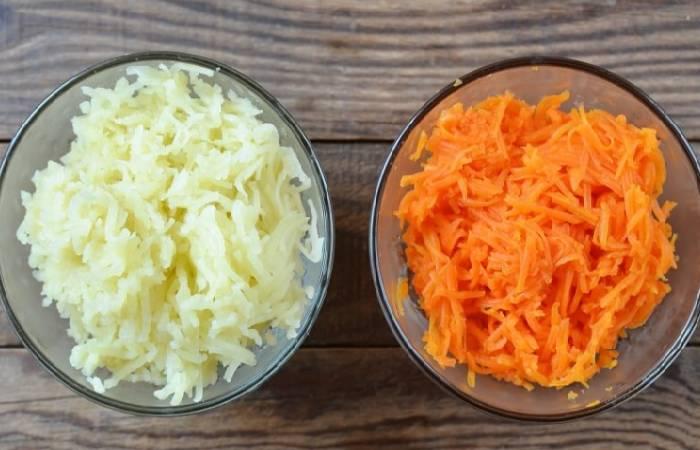 картофель и морковь натёртые