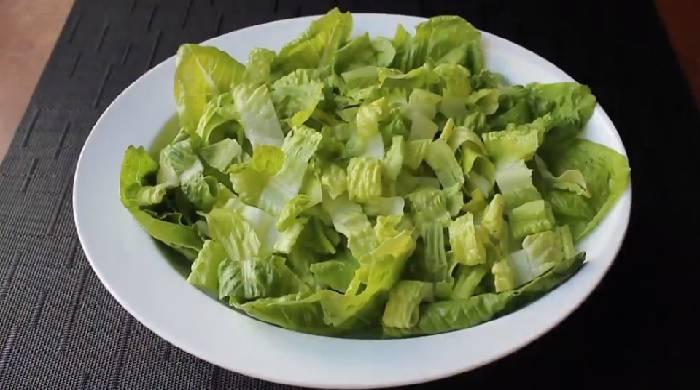 нарезанный салат ромэн