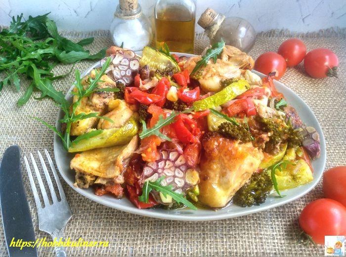 курица кусочками с овощами