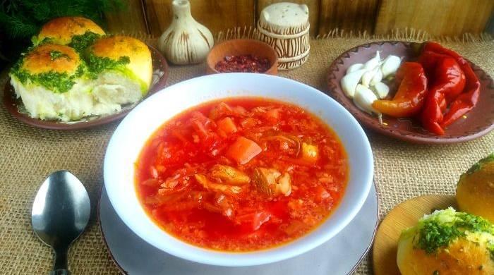 Украинский борщ с пампушками — классический рецепт приготовления с мясом